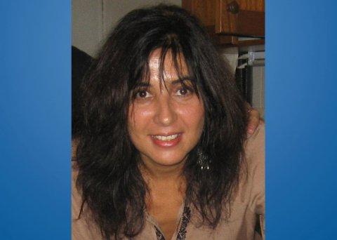 Sola, Claudia del Valle